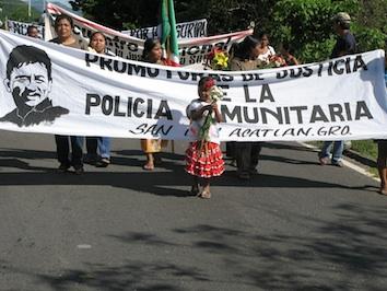 Mujeres_desfile_vignette